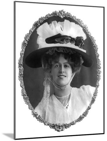Marie Studholme (1875-193), English Actress, 1900s-W Whiteley-Mounted Giclee Print
