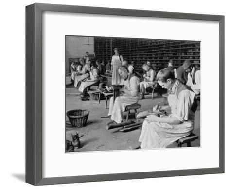 Cobbling, Earlswood Asylum, Reigate, 1904--Framed Art Print