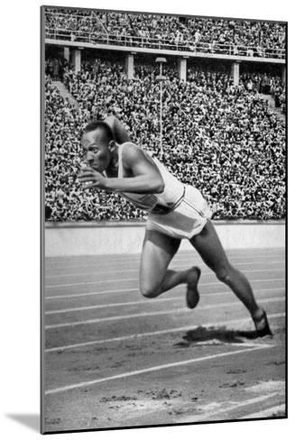 Jesse Owens at the Start of the 200 Metres at the Berlin Olympic Games, 1936--Mounted Giclee Print