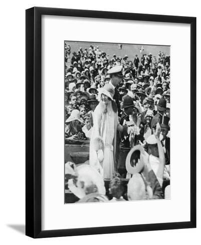 The Duke and Duchess Mobbed by Crowds in Auckland, 1927--Framed Art Print