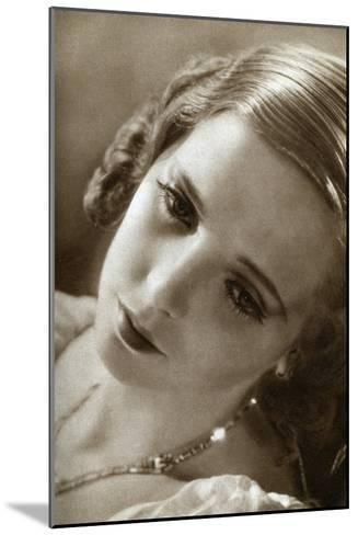 Jessie Matthews, British Actress, 1933--Mounted Giclee Print
