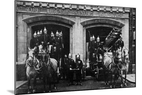 Islington Fire Brigade, London, 1901--Mounted Giclee Print