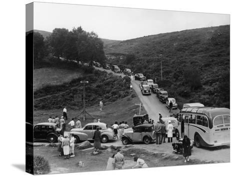 Crowded Road at Dartmeet, Devon, C1951--Stretched Canvas Print