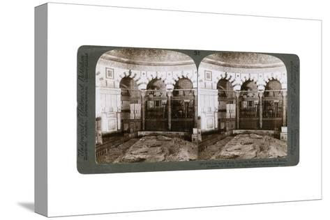 The Sacred Rock, Where the Temple Alter Stood, Mount Moriah, Jerusalem, Palestine, 1900-Underwood & Underwood-Stretched Canvas Print
