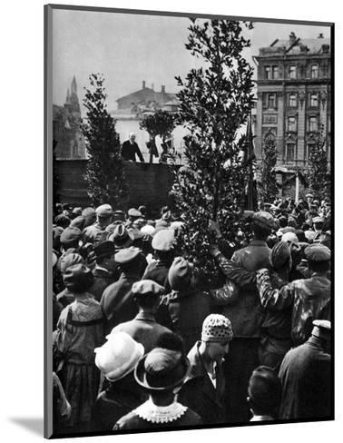 Vladimir Ilich Lenin, Russian Bolshevik Leader, Moscow, Russia, 1 May 1920--Mounted Giclee Print