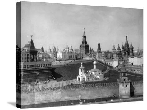 View of the Moscow Kremlin from the Moskva River, Russia, C1908-C1910- Scherer Nabholz & Co-Stretched Canvas Print