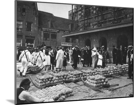 The Cheese Market on Friday, Alkmaar, Netherlands, C1934--Mounted Giclee Print