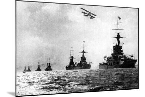 Dreadnoughts and Hydroplane, British Grand Fleet, North Sea, First World War, 1914--Mounted Giclee Print