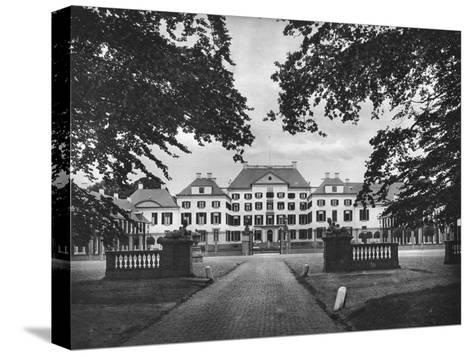 Palace Het Loo, Apeldoorn, Netherlands, C1934--Stretched Canvas Print