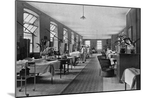 A Ward in Guy's Hospital, Southwark, London, 1904--Mounted Giclee Print