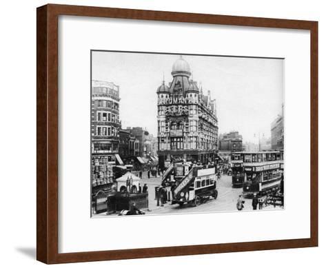 The Elephant and Castle, London, 1926-1927--Framed Art Print