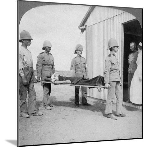 Wounded Fusilier after the Boers' Brave Stand Near Orange River, South Africa, Boer War, 1900-Underwood & Underwood-Mounted Giclee Print