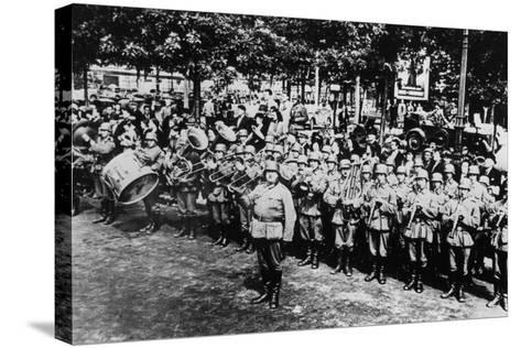 German Military Band at the Parade on the Place De L'Etoile, Paris, June 1940--Stretched Canvas Print