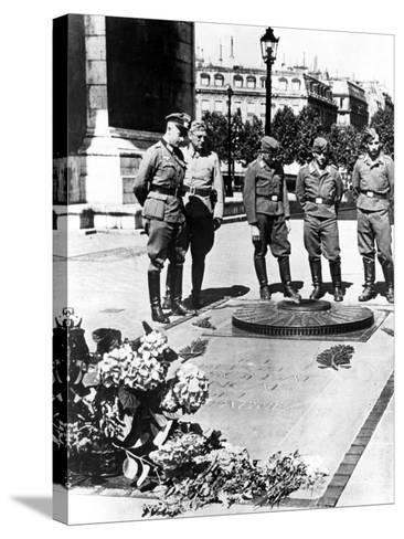 German Soldiers at the Tomb of the Unknown Soldier at the Arc De Triomphe, Paris, December 1940--Stretched Canvas Print