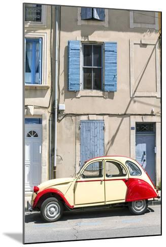 France, Provence Alps Cote D'Azur, Saint Remy De Provence. Street View with Old Fashioned 2Cv Car-Matteo Colombo-Mounted Photographic Print
