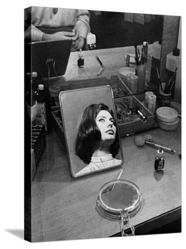 Le Couteau Dans La Plaie, 1962--Stretched Canvas Print