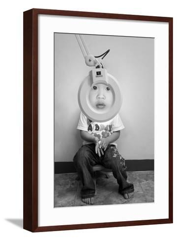Zoom In-Eddy Tanu-Framed Art Print