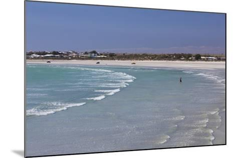 Australia, Yorke Peninsula, Wallaroo, Beach-Walter Bibikow-Mounted Photographic Print