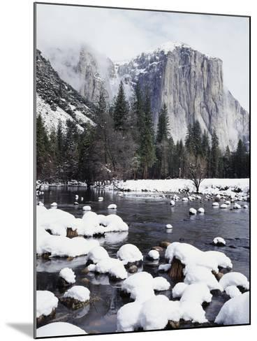 California, Sierra Nevada, Yosemite National Park, Snow on El Capitan-Christopher Talbot Frank-Mounted Photographic Print