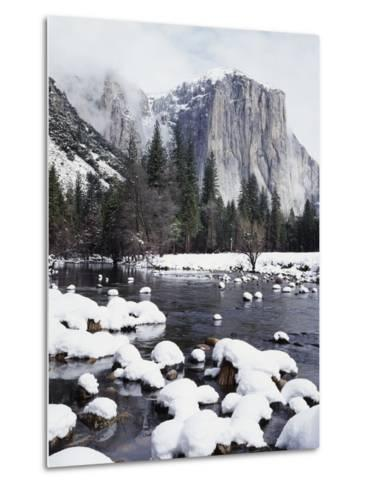 California, Sierra Nevada, Yosemite National Park, Snow on El Capitan-Christopher Talbot Frank-Metal Print