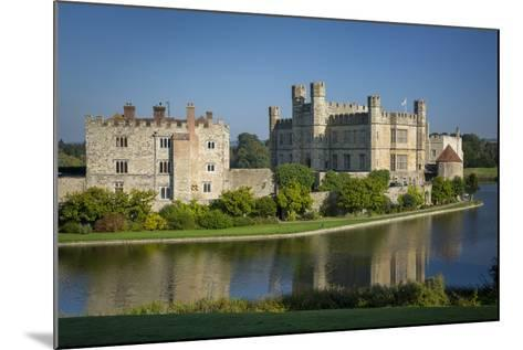 Early Morning at Leeds Castle, Maidstone, Kent, England-Brian Jannsen-Mounted Photographic Print