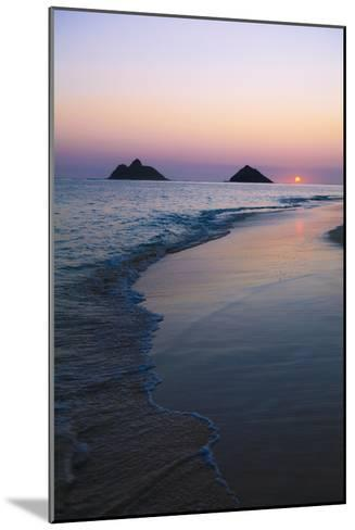 Hawaii, Oahu, Kailua, Lanikai, Sun Sinking Below Horizon on Beach-Design Pics Inc-Mounted Photographic Print