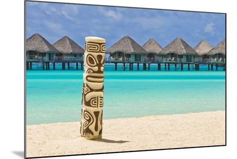 A Tiki Totem Pole on the Beach at the Le Meridien Resort-Mike Theiss-Mounted Photographic Print