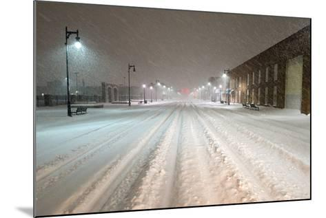 A Snowstorm Strikes a City in the Middle of the Night-Jim Reed-Mounted Photographic Print