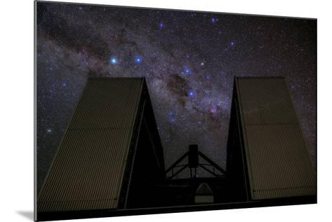 An 8-Metre Giant Telescope Studies the Skies at the Cerro Paranal Observatory-Babak Tafreshi-Mounted Photographic Print