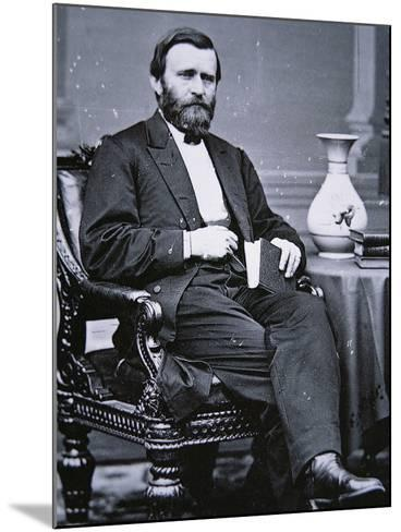 Ulysses Simpson Grant (1822-85)-Mathew Brady-Mounted Photographic Print