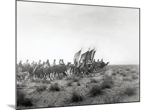Ibn Saud's (Abd Al-Aziz Ibn Saud'S) Army on the March- Near Habl, 8th January 1911-William Henry Irvine Shakespear-Mounted Photographic Print