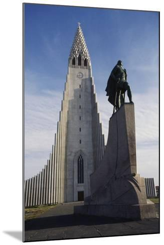 Lutheran Church of Hallgrimurin (Hallgrimskirkja) in Reykjavik--Mounted Photographic Print