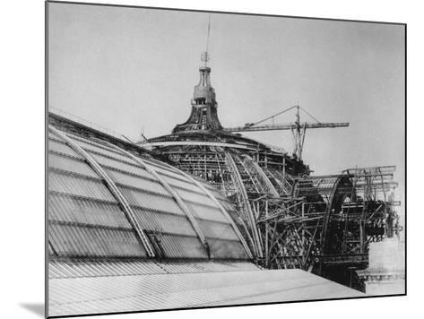 Construction of the Dome of the Grand Palais, for the Exposition Universelle of 1900--Mounted Giclee Print
