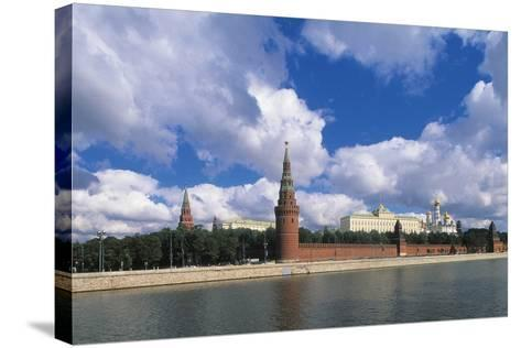 View of Kremlin (Unesco World Heritage List, 1990) and Moskva River, Moscow, Russia--Stretched Canvas Print