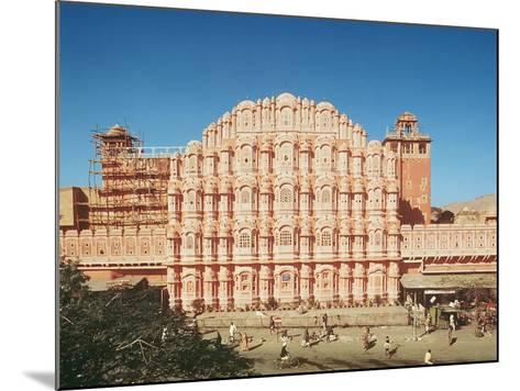 Hawa Mahal (Palace of the Winds) Built in 1799 (See also 121219 and 208425)--Mounted Photographic Print