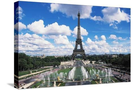 Eiffel Tower and Fountains Oftrocadero, Paris, Ile-De-France, France--Stretched Canvas Print