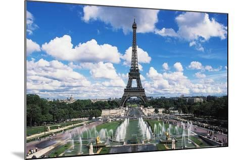 Eiffel Tower and Fountains Oftrocadero, Paris, Ile-De-France, France--Mounted Giclee Print
