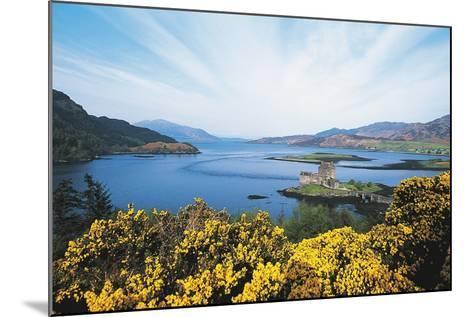 Loch Duich and Eilean Donan Castle, Scotland, UK--Mounted Photographic Print