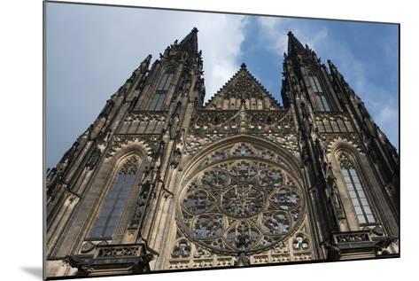 St. Vitus Cathedral, Prague, Czech Republic--Mounted Photographic Print