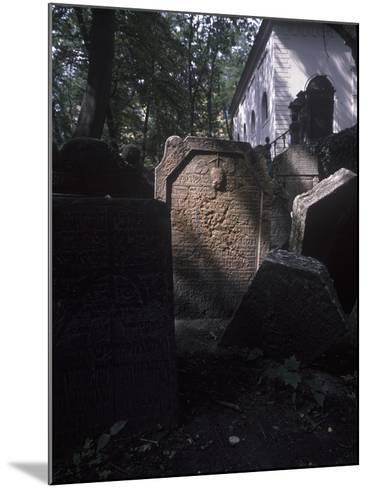 Old Jewish Cemetery, Prague, Czech Republic--Mounted Photographic Print