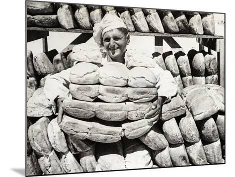 Bread for the Troops on the Front Line, C.1915--Mounted Photographic Print