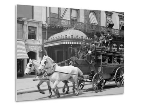 A 5th Ave. (Fifth Avenue) Stage, New York, N.Y.--Metal Print