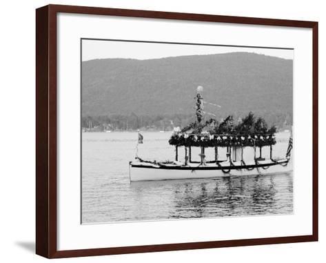 Yacht Etto, Regatta Day, Fort Willam Henry Hotel, Lake George, N.Y.--Framed Art Print