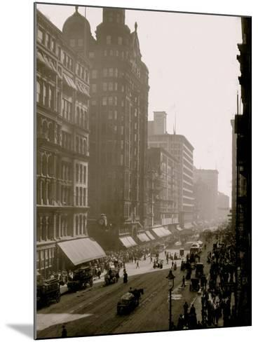 State Street, Chicago, Ill.--Mounted Photo