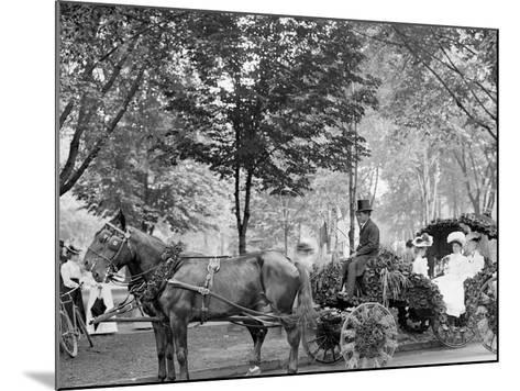 Bi-Centenary Celebration, Floral Parade, Carriage of Mrs. D.G. Swift, Detroit, Mich.--Mounted Photo
