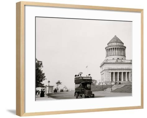 Grants Tomb and Riverside Drive, New York, N.Y.--Framed Art Print