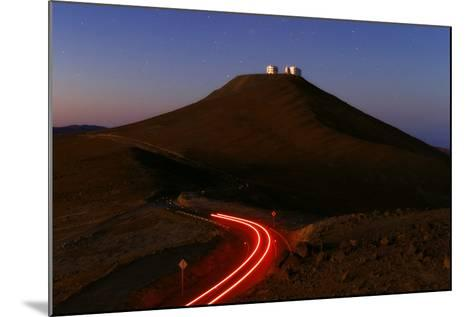 The Cerro Paranal Observatory Sits on a Peak in the Atacama Desert-Babak Tafreshi-Mounted Photographic Print