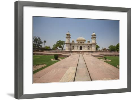 A Footpath Leads to the Sandstone Mausoleum of the Moghul Emperor Humayun-Roberto Moiola-Framed Art Print