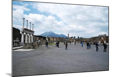 The Forum of Pompeii with Mount Vesuvius in the Background, Pompeii, Campania, Italy-Oliviero Olivieri-Mounted Photographic Print