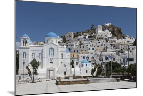 Chora, Ios, Cyclades, Greek Islands, Greece-Rolf Richardson-Mounted Photographic Print